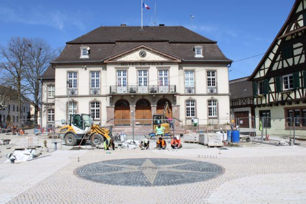 Avancement des travaux d'aménagement de la place de l'Hôtel de Ville